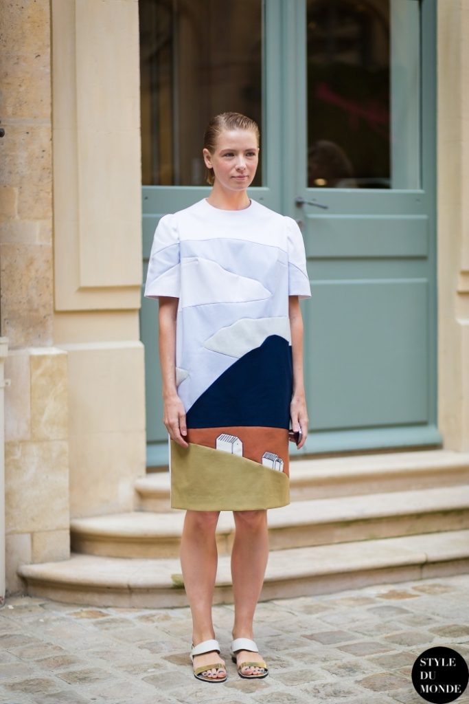 Vika-Gazinskaya-by-STYLEDUMONDE-Street-Style-Fashion-Blog_MG_2660-700x1050